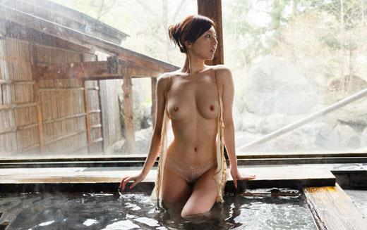 【ヌード画像】温泉美女の色っぽい肌に大興奮! 10