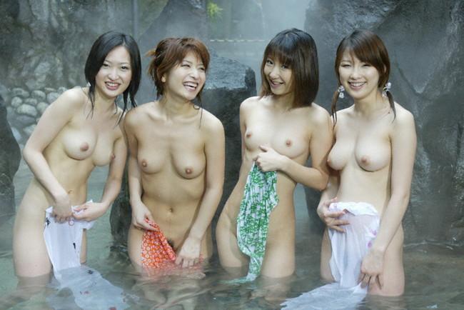【ヌード画像】温泉美女の色っぽい肌に大興奮! 15