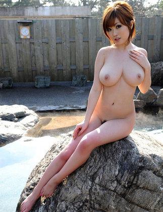 【ヌード画像】温泉美女の色っぽい肌に大興奮! 22