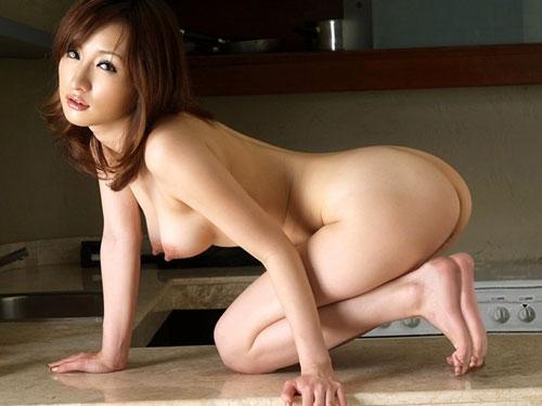 【ヌード画像】女豹のポーズで悩殺必至!性的に食べられたいw 16