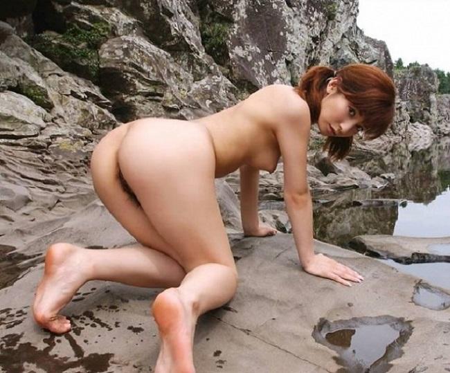 【ヌード画像】女豹のポーズで悩殺必至!性的に食べられたいw 32