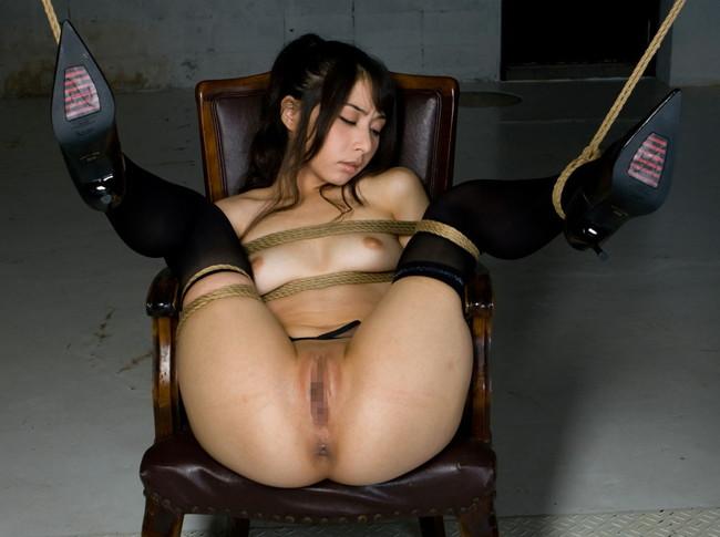 【ヌード画像】縛られた女たちに感じるサディズムな欲望 08
