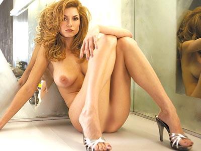 【ヌード画像】脚フェチ必見!スレンダーな美脚美人の魅力が半端ないw(35枚) 09