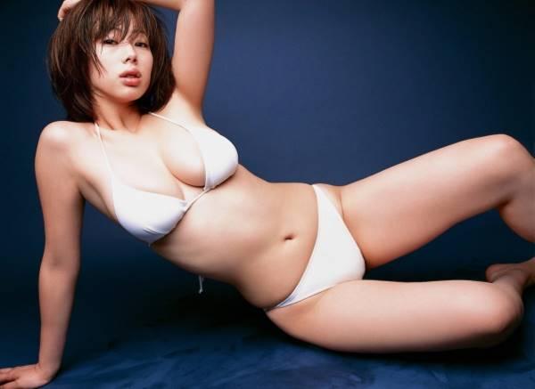【ヌード画像】脚フェチ必見!スレンダーな美脚美人の魅力が半端ないw(35枚) 30