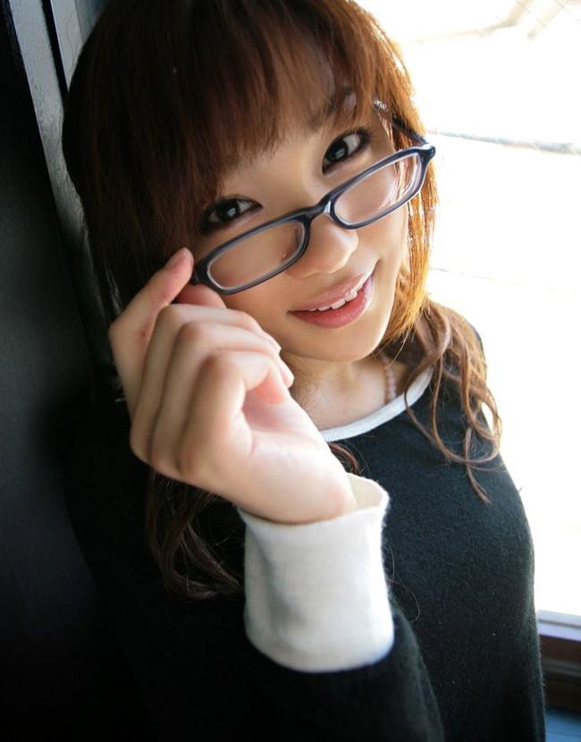 【ヌード画像】メガネっ娘のヌードにモエモエw(32枚) 15