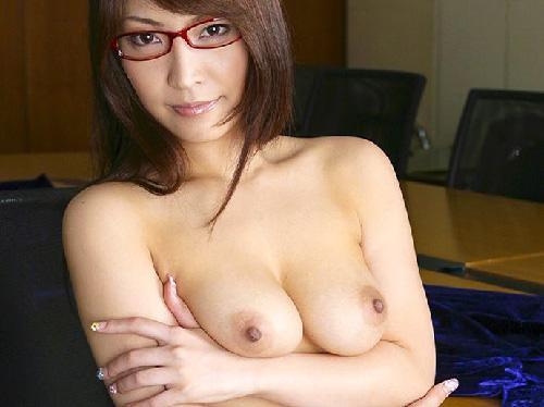 【ヌード画像】メガネっ娘のヌードにモエモエw(32枚) 18