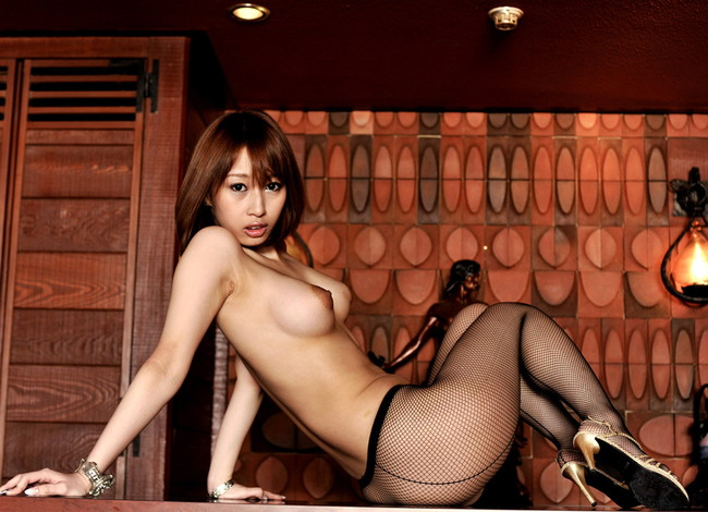 【ヌード画像】グラマラス美女の豊満ボディがエロすぎるw(33枚) 14