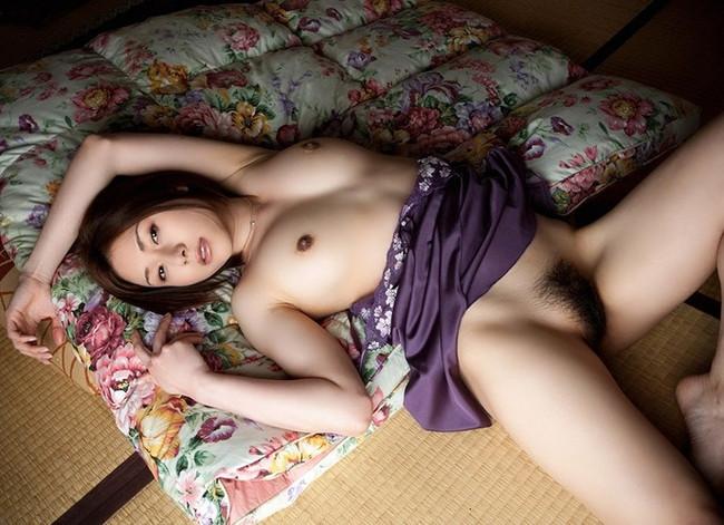 【ヌード画像】畳の上で素肌をさらす女の子が妙にそそるw(30枚) 30