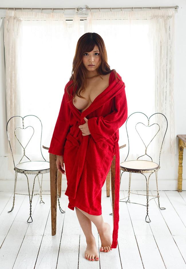 【ヌード画像】バスローブ着てる美女を押し倒したいw(30枚) 26