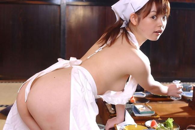 【ヌード画像】裸エプロンのセクシー姿は男の憧れだよなw(30枚) 11