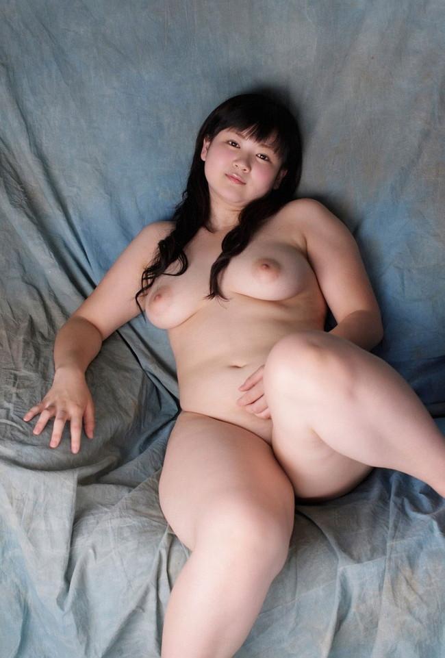 【ヌード画像】肉付きのいいぽっちゃり系女の子たちが可愛いw(30枚) 11