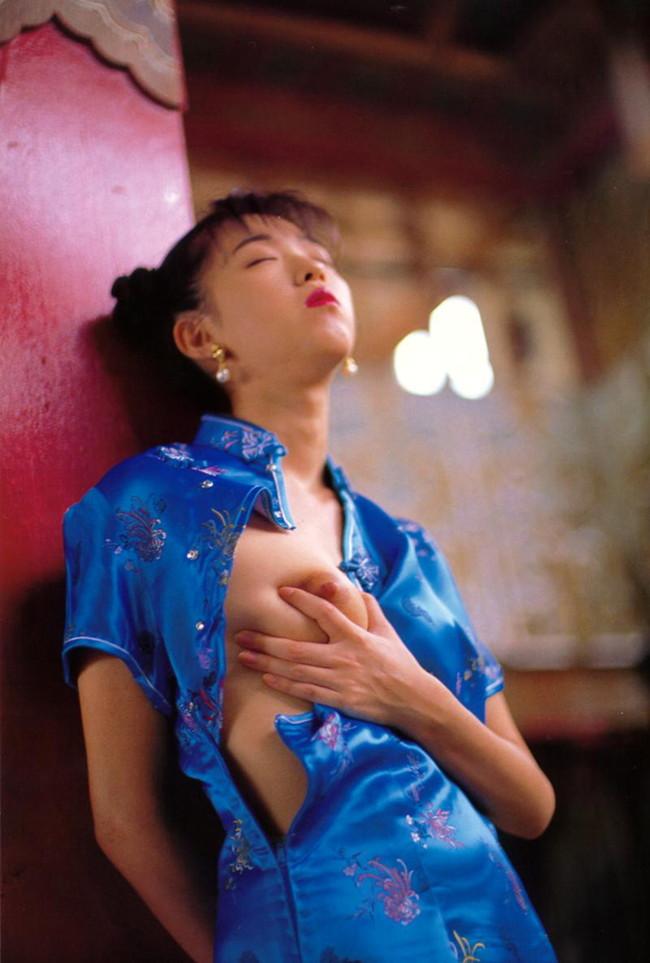 【ヌード画像】大人の色気漂うチャイナドレス美女で息子が大きくなっちゃったw(31枚) 08