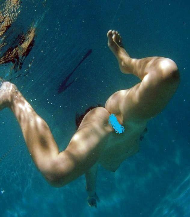 【ヌード画像】女の子の水中ヌードが艶めかしいw(34枚) 12