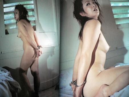 【ヌード画像】手錠で拘束されてる美女にいたずらしたいw(32枚) 29