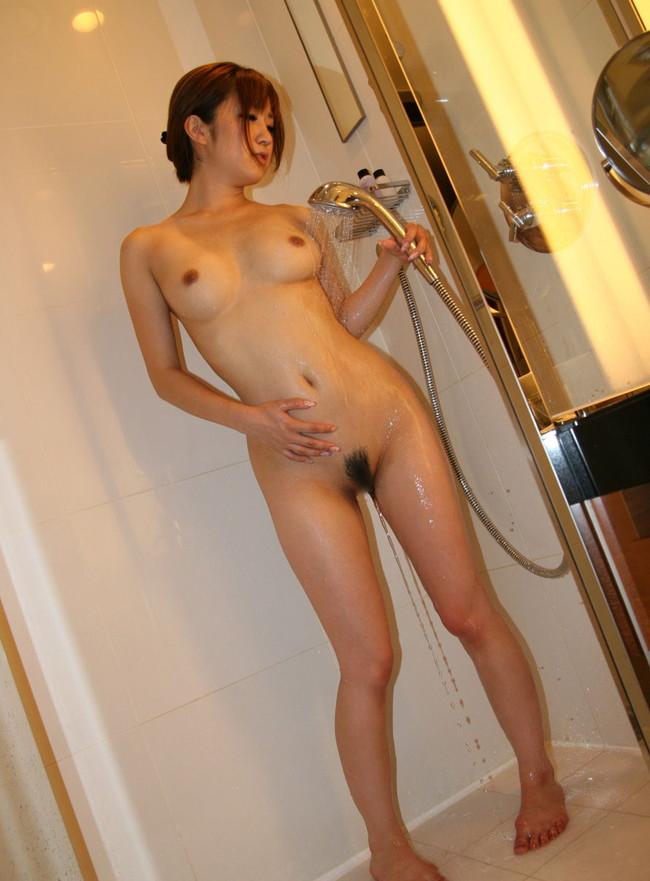 【ヌード画像】シャワーを浴びている美少女たちに心が洗われるようですw(35枚) 20