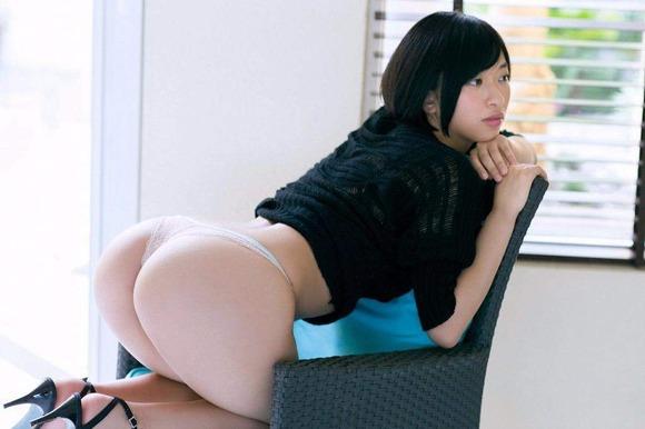【ヌード画像】尻ドル倉持由香のセクシーセミヌード画像(33枚) 01