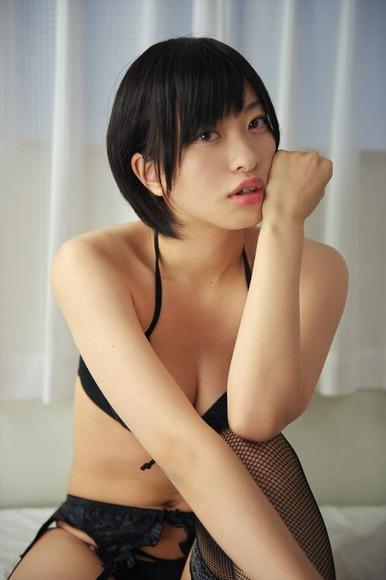 【ヌード画像】尻ドル倉持由香のセクシーセミヌード画像(33枚) 11
