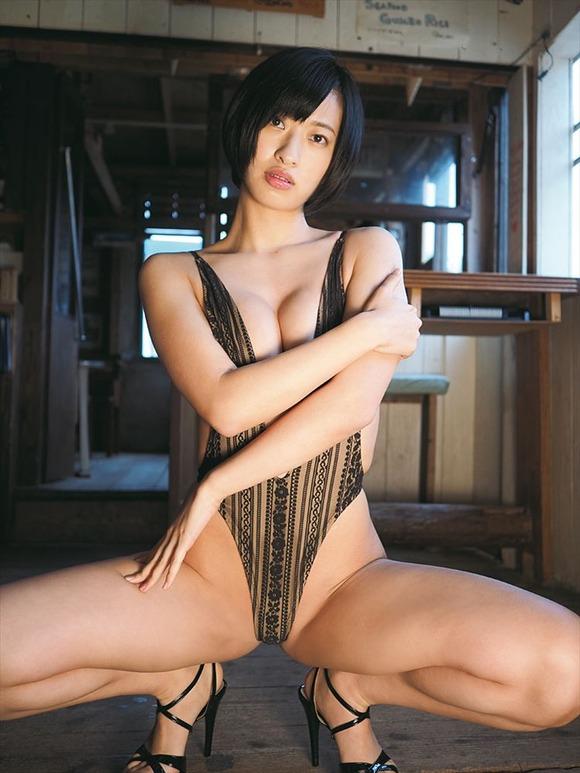 【ヌード画像】尻ドル倉持由香のセクシーセミヌード画像(33枚) 25