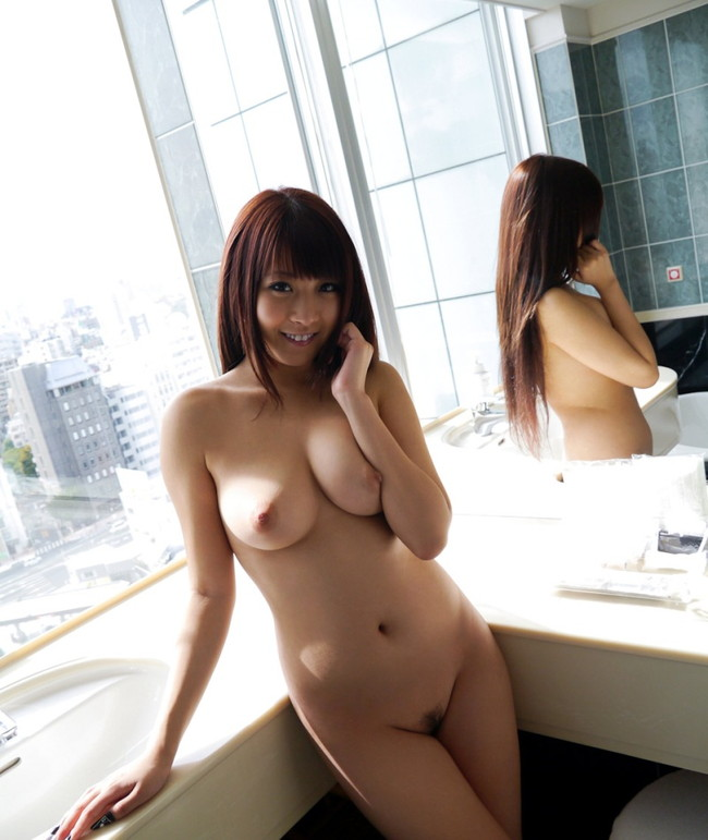 【ヌード画像】存在感ある美巨乳!北川瞳のヌード画像(30枚) 10