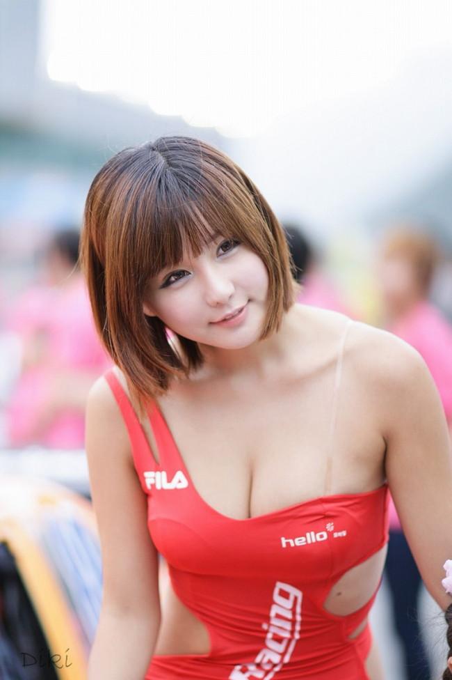 【ヌード画像】レースクイーンのパンチラ・胸チラ・セミヌード画像(33枚) 11