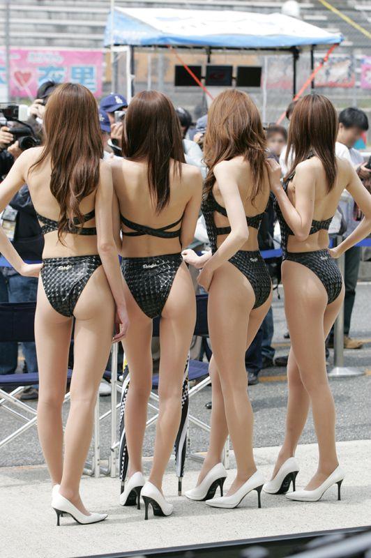 【ヌード画像】レースクイーンのパンチラ・胸チラ・セミヌード画像(33枚) 18