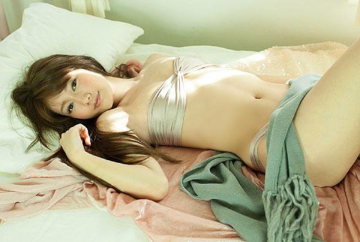 【ヌード画像】多岐川華子のセミヌード姿が超絶セクシーw(30枚) 05