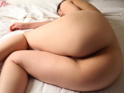 【ヌード画像】太もものムチムチぶりに辛抱たまらんw(31枚) 15