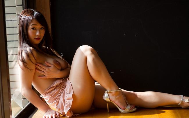 【ヌード画像】太もものムチムチぶりに辛抱たまらんw(31枚) 24