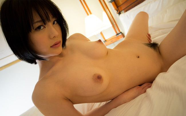 【ヌード画像】大人気AV女優、鈴村あいりの白い肌がまぶしすぎるw(33枚) 10