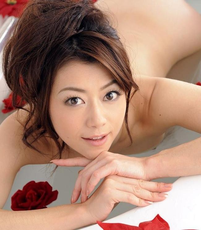 【ヌード画像】美熟女セクシー女優、北条麻妃の妖艶な裸体(30枚) 02