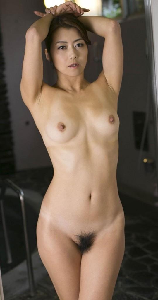 【ヌード画像】美熟女セクシー女優、北条麻妃の妖艶な裸体(30枚) 03