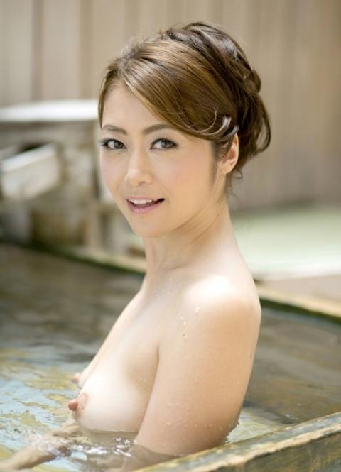【ヌード画像】美熟女セクシー女優、北条麻妃の妖艶な裸体(30枚) 13