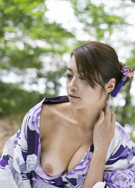 【ヌード画像】美熟女セクシー女優、北条麻妃の妖艶な裸体(30枚) 25