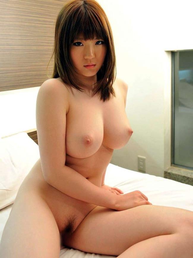 【ヌード画像】童顔でカワイイ美少女が素肌をさらしているw(32枚) 13