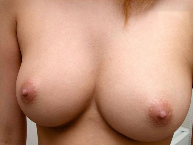 【ヌード画像】美乳を間近で見るとパフパフしてもらいたくなるw(30枚) 04