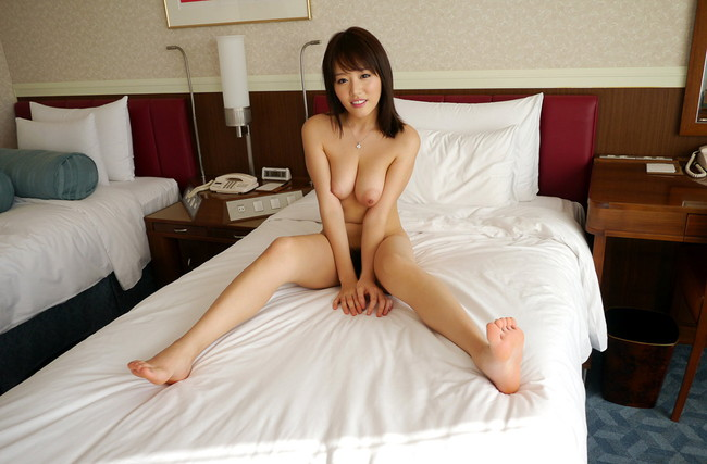 【ヌード画像】浜崎真緒のロケットおっぱいが超絶セクシーw(31枚) 11