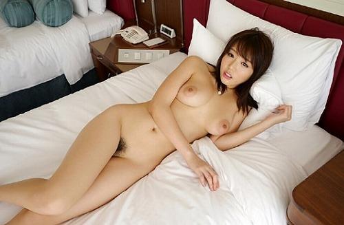 【ヌード画像】浜崎真緒のロケットおっぱいが超絶セクシーw(31枚) 16