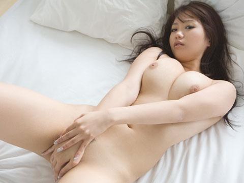 【ヌード画像】手で股間を隠した美女の姿が女神のように美しいw(32枚) 21