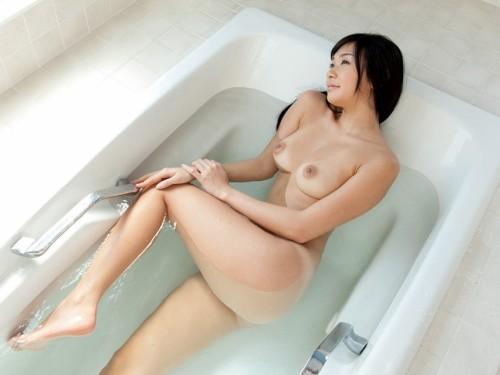 【ヌード画像】小倉奈々の裸体を見てると即ズボ!したくなるw(31枚) 06