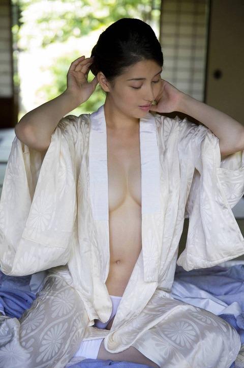 【ヌード画像】愛人にしたい女NO.1!橋本マナミのセミヌード画像(30枚) 04