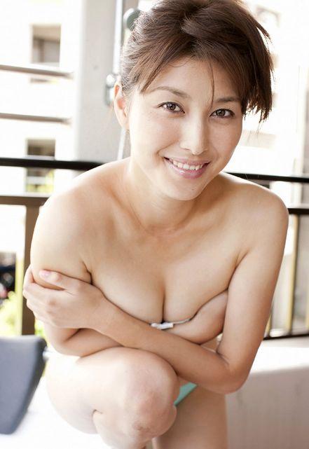 【ヌード画像】愛人にしたい女NO.1!橋本マナミのセミヌード画像(30枚) 22