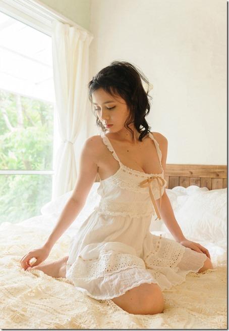 【ヌード画像】色っぽい下着やネグリジェが病みつき必至のいやらしさw(30枚) 06