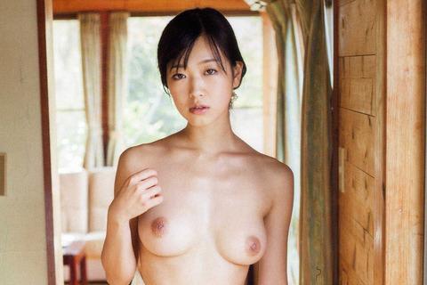 【ヌード画像】佐々木心音の過激なヌード画像(30枚) 16