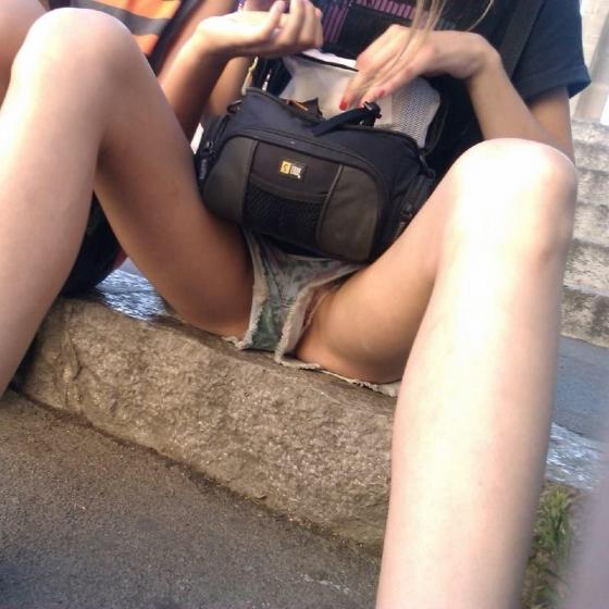 【ヌード画像】ホットパンツ美少女を見ていると心が熱くなるなw(32枚) 18