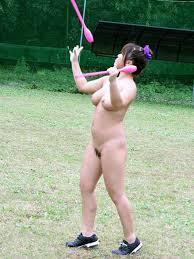 【ヌード画像】女の子の丸出しスポーツ姿が大胆すぎるw(31枚) 18