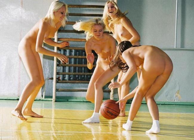 【ヌード画像】女の子の丸出しスポーツ姿が大胆すぎるw(31枚) 23