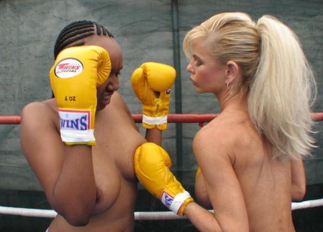 【ヌード画像】女の子の丸出しスポーツ姿が大胆すぎるw(31枚) 30