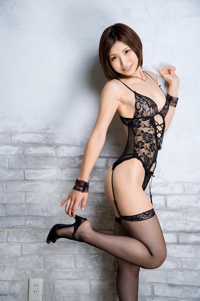 【ヌード画像】夏希みなみの色白でスレンダーな裸体がセクシーw(31枚) 04