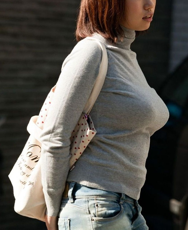 【ヌード画像】着衣おっぱいの衝撃的なエロさ!(33枚) 04