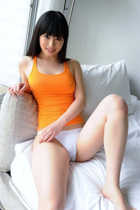 【ヌード画像】着衣ノーブラの美少女達を嫌いな男っているの!?(30枚) 14